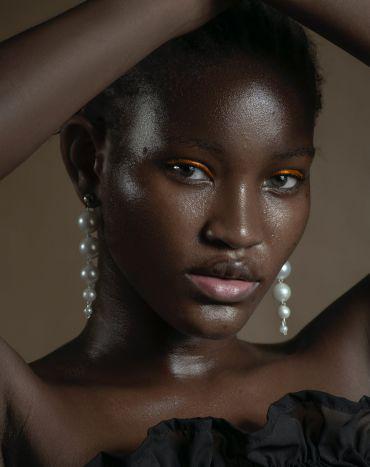 Cung cấp mẫu Tây da màu chuyên nghiệp toàn quốc