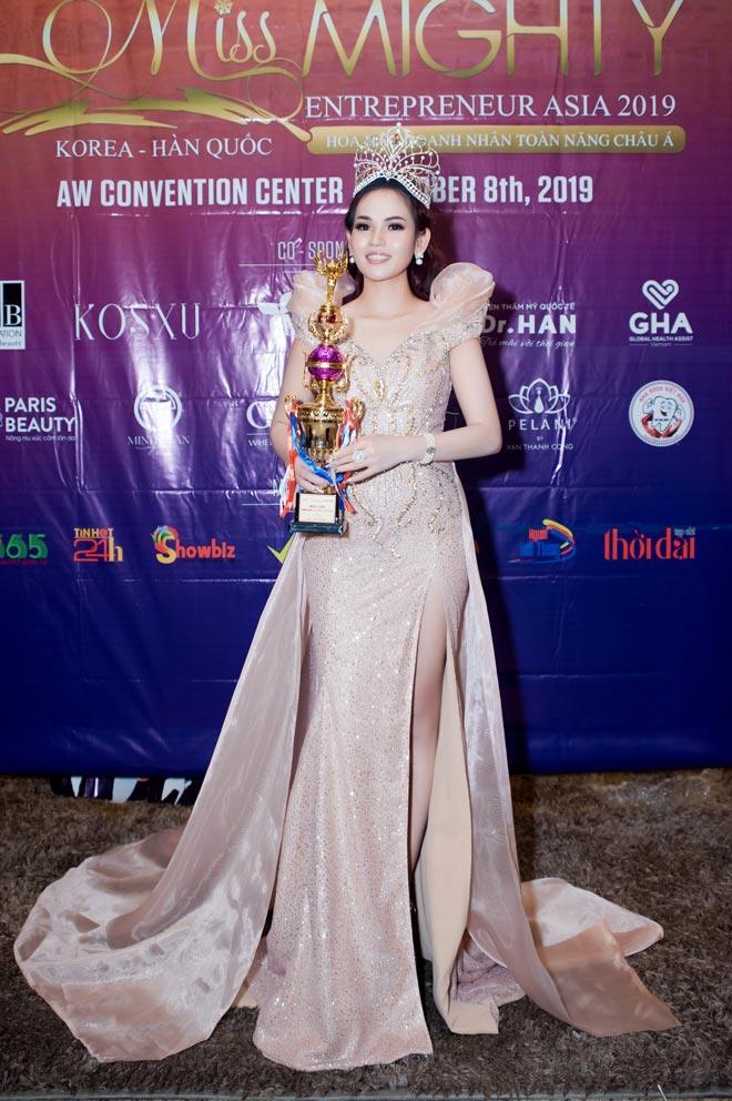 Nữ doanh nhân ngọc hân giành ngôi hoa hậu doanh nhân toàn năng châu á 2019 - 3