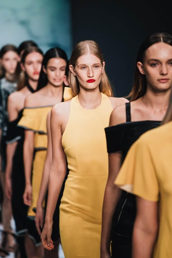 Catwalk là gì làm thế nào để đi dáng chuẩn như người mẫu - 5