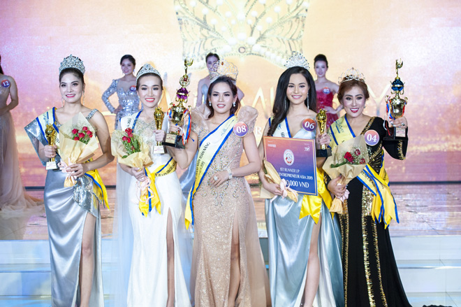 Nữ doanh nhân Ngọc Hân giành ngôi Hoa hậu Doanh nhân Toàn năng châu Á 2019