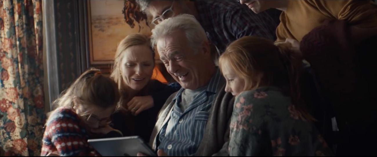 Cái nhìn khác biệt nhưng đầy sâu lắng trong quảng cáo mới nhất của Apple về Giáng Sinh