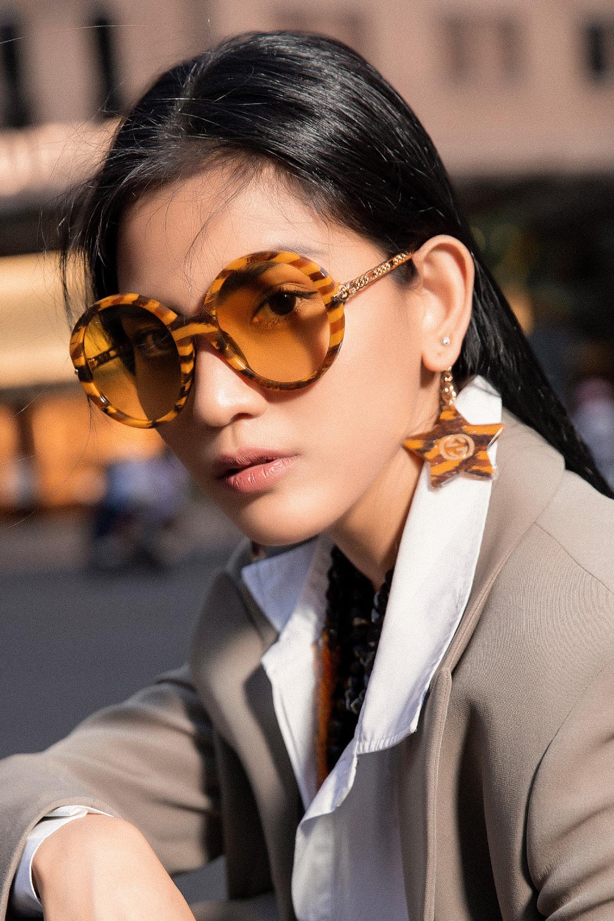 Trương Thị May phối kính mát mùa hè