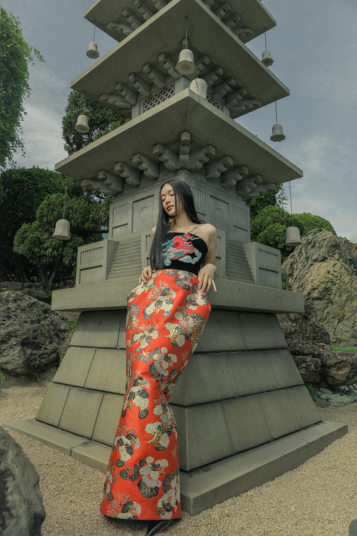 Mai Thanh Hà khoe phong cách Á đông