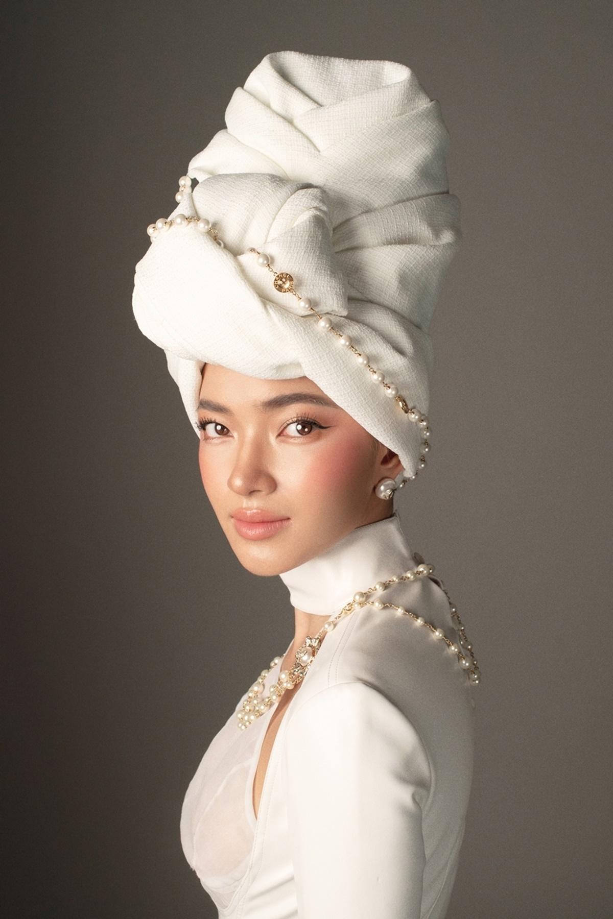 Fashionsta Châu Bùi khoe nét đẹp Á Đông