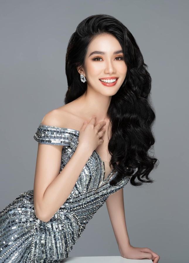 Á hậu Phương Anh hé lộ bộ hình suýt được dùng làm profile thi hoa hậu khiến fan trầm trồ