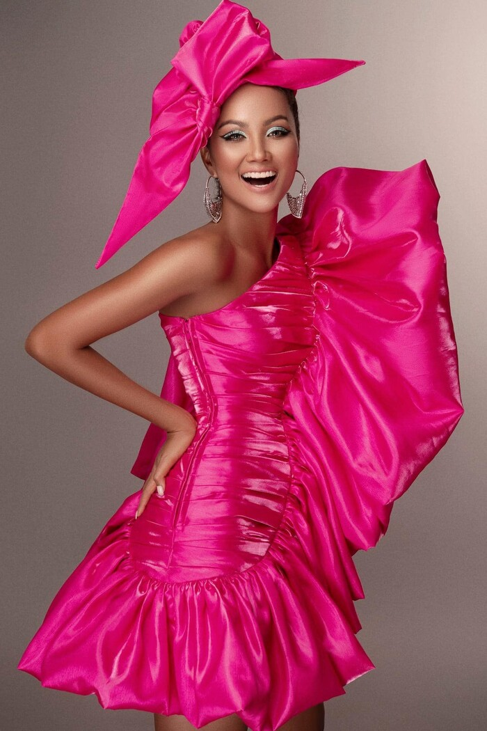 Bộ ảnh 1 năm trước giờ mới công bố của H'Hen Niê, đẳng cấp hoa hậu Hoàn vũ hàng đầu là đây!