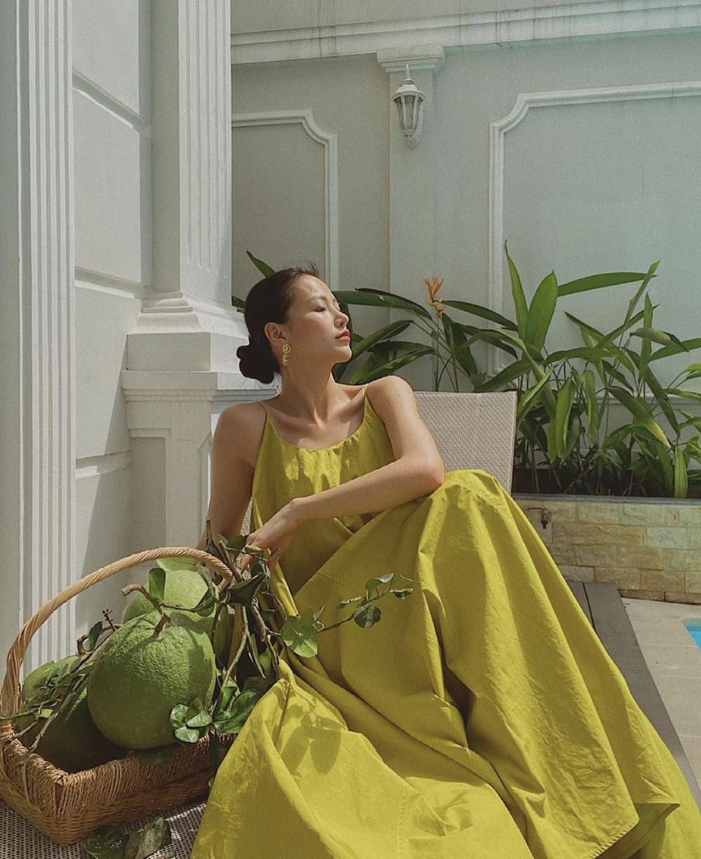 Phương Khánh mặc đẹp kể cả ở nhà