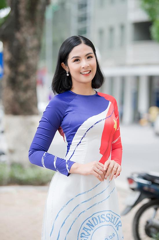 Ngọc Hân biến cửa hàng quần áo thành 'ATM gạo'