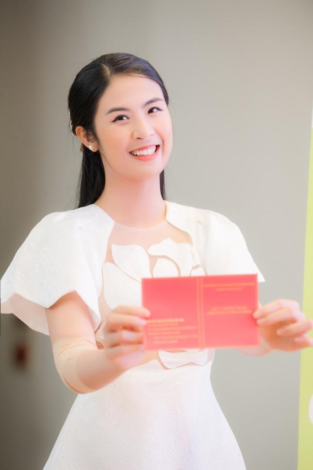 Hoa hậu Ngọc Hân lần thứ 8 đi hiến máu tình nguyện